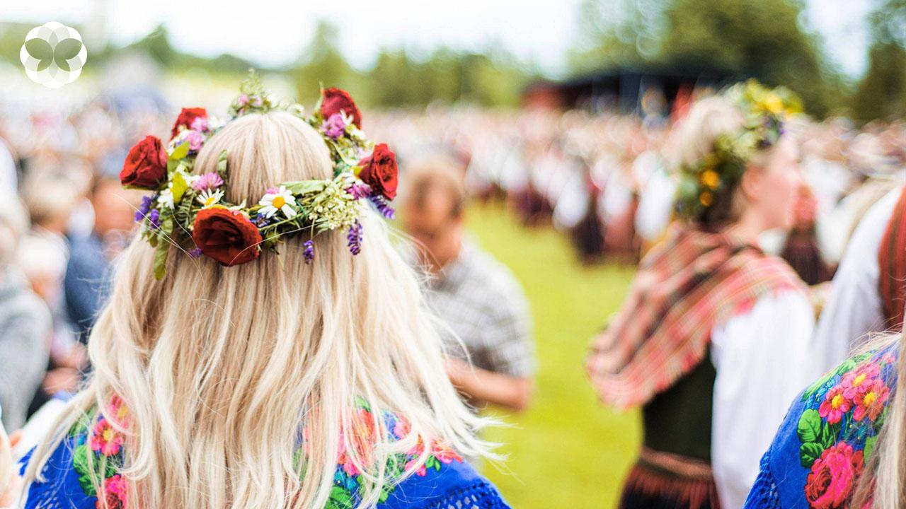 Midsummer ฤดูร้อน ดอกไม้ และวิธีทำนายเนื้อคู่